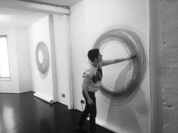 Ana Mendes, Drawing III, performance/installation, 2018, exhibition view Agency Gallery London UK, 2018 (c) photo Agency Gallery